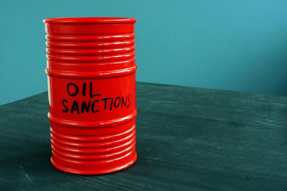 مکاتب مدیریت استراتژیک وتحریم نفتی