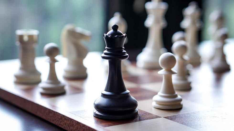 مکاتب دهگانه استراتژی و اختیار