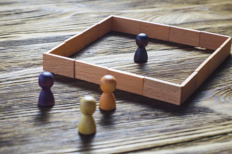 مدیریت استراتژیک پیشرفته و افراد بیرون از سازمان
