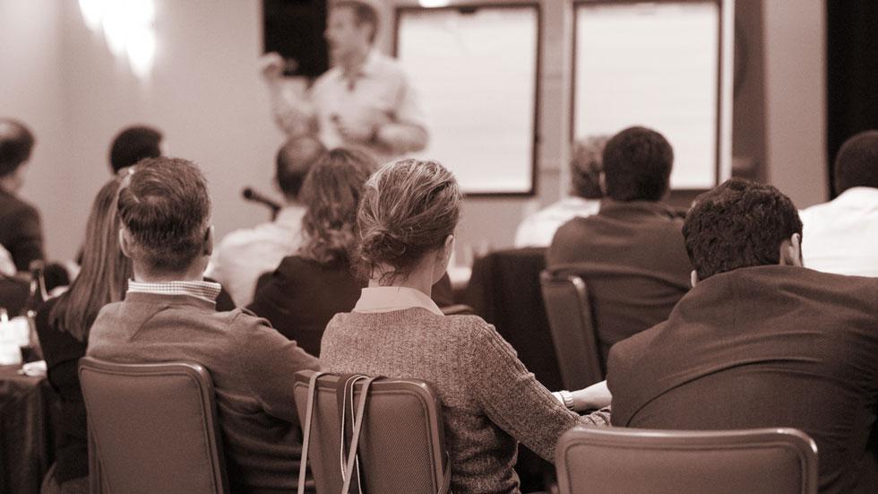 طراحی کار پویا و بررسی و تشکیل جلسات