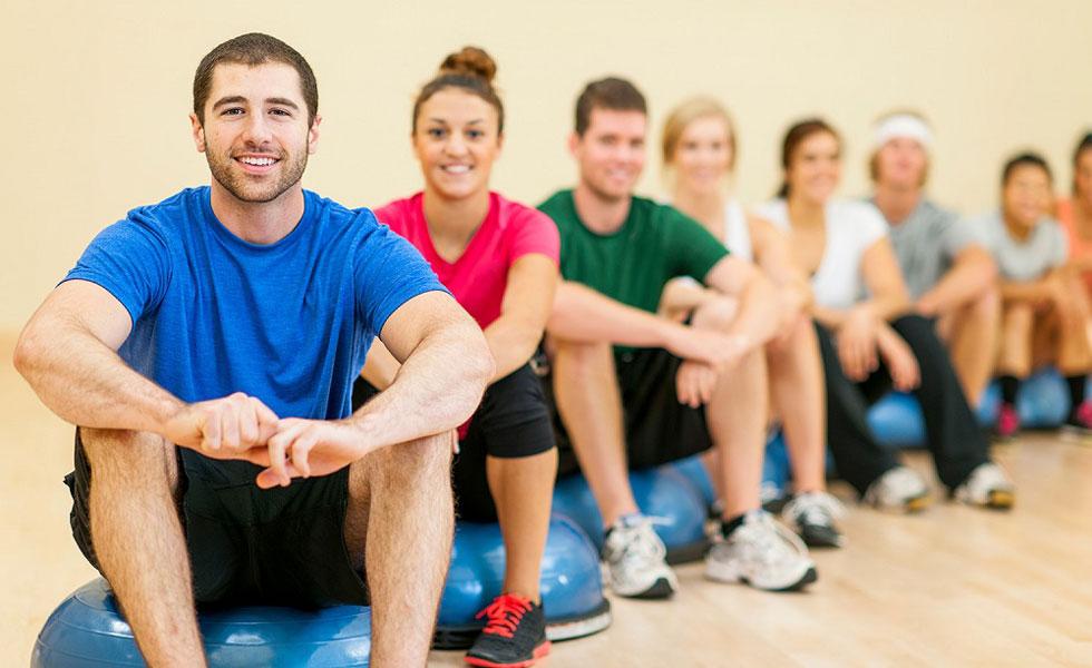 اندام متناسب و ورزش با دوستان