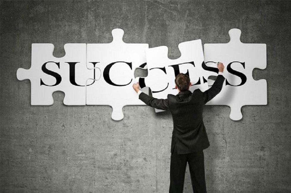 پیشرفت شغلی و موفقیت کاری
