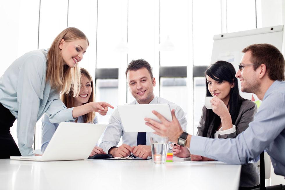 همدلی و همکاری و محیط کار صمیمی