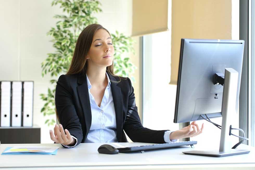 غلبه بر استرس و یوگا در محل کار
