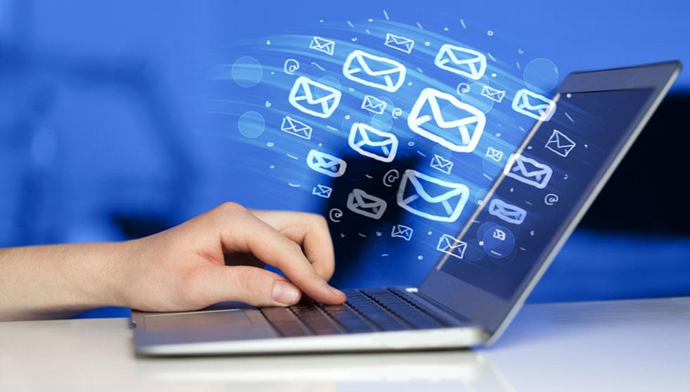 حفظ مشتریان فعلی و بازاریابی ایمیلی