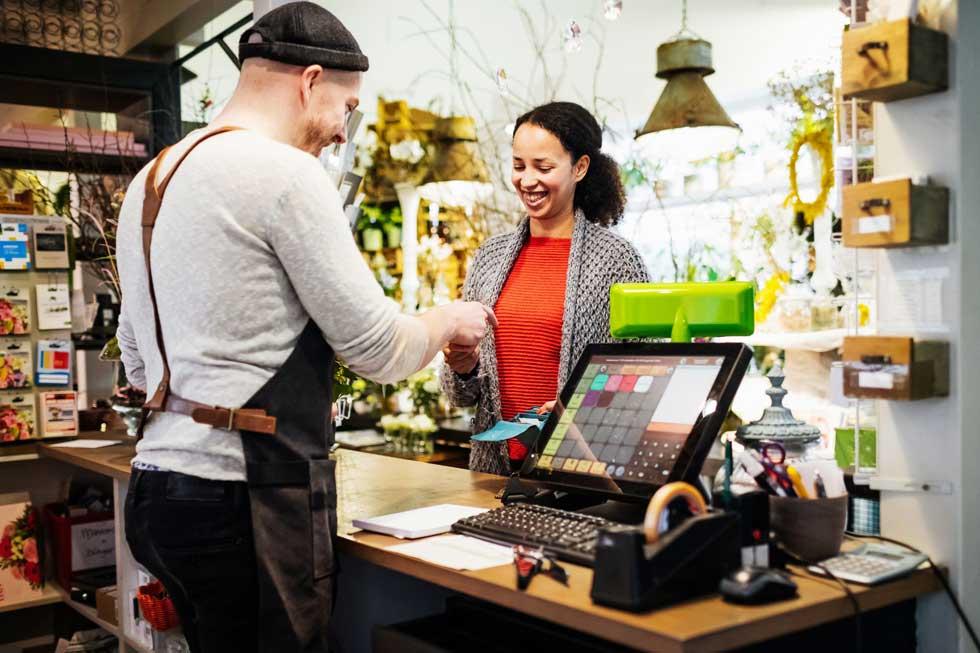 خدمات به مشتری ها و متخصص اجرایی