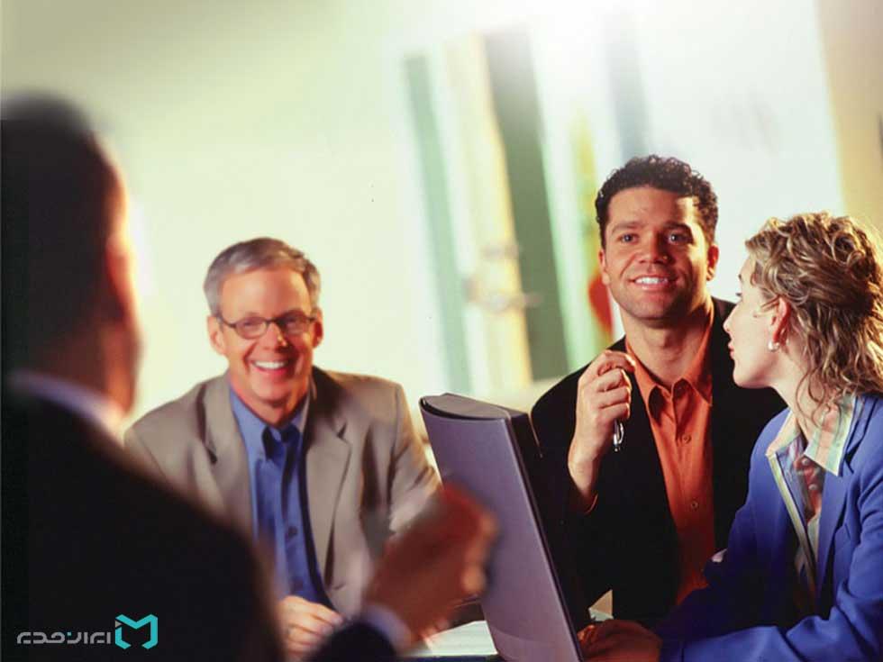 آگاهی از برند و معاشرت با مشتری